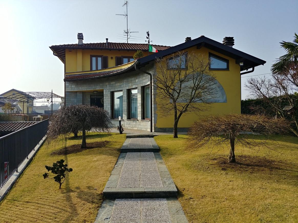 Splendida Villa in Uggiate Trevano (Co)